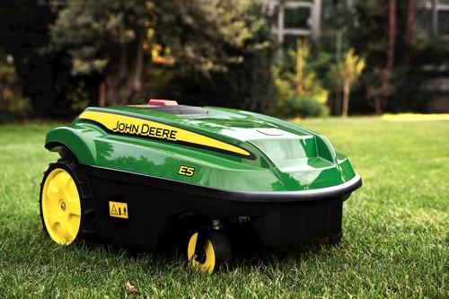 Robot de tonte Tango E5 tonte aunomome gazon pelouse